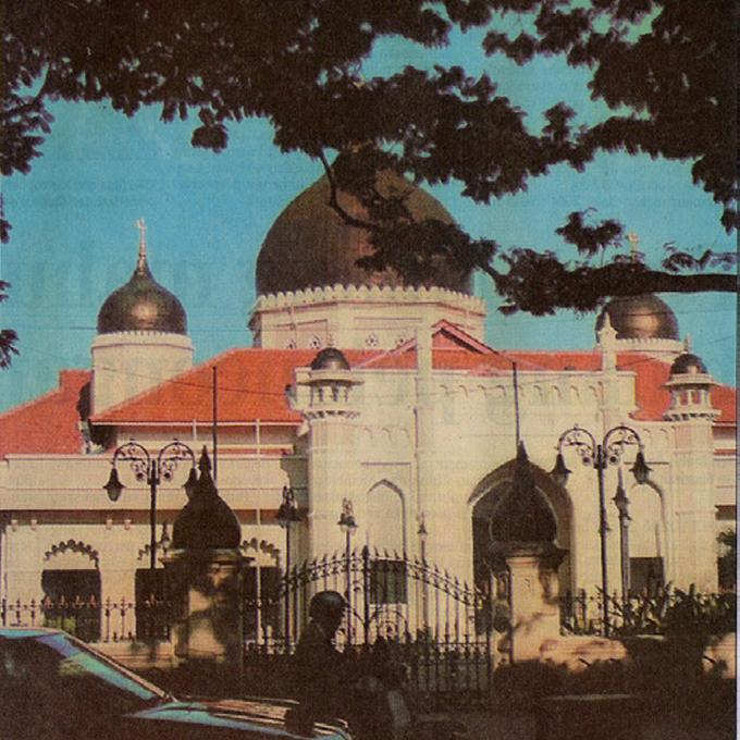 Masjid Kapitan Keling, terpilih untuk disertakan dalam buku Pinang – Berita Harian (Isnin, 22 September 2003)